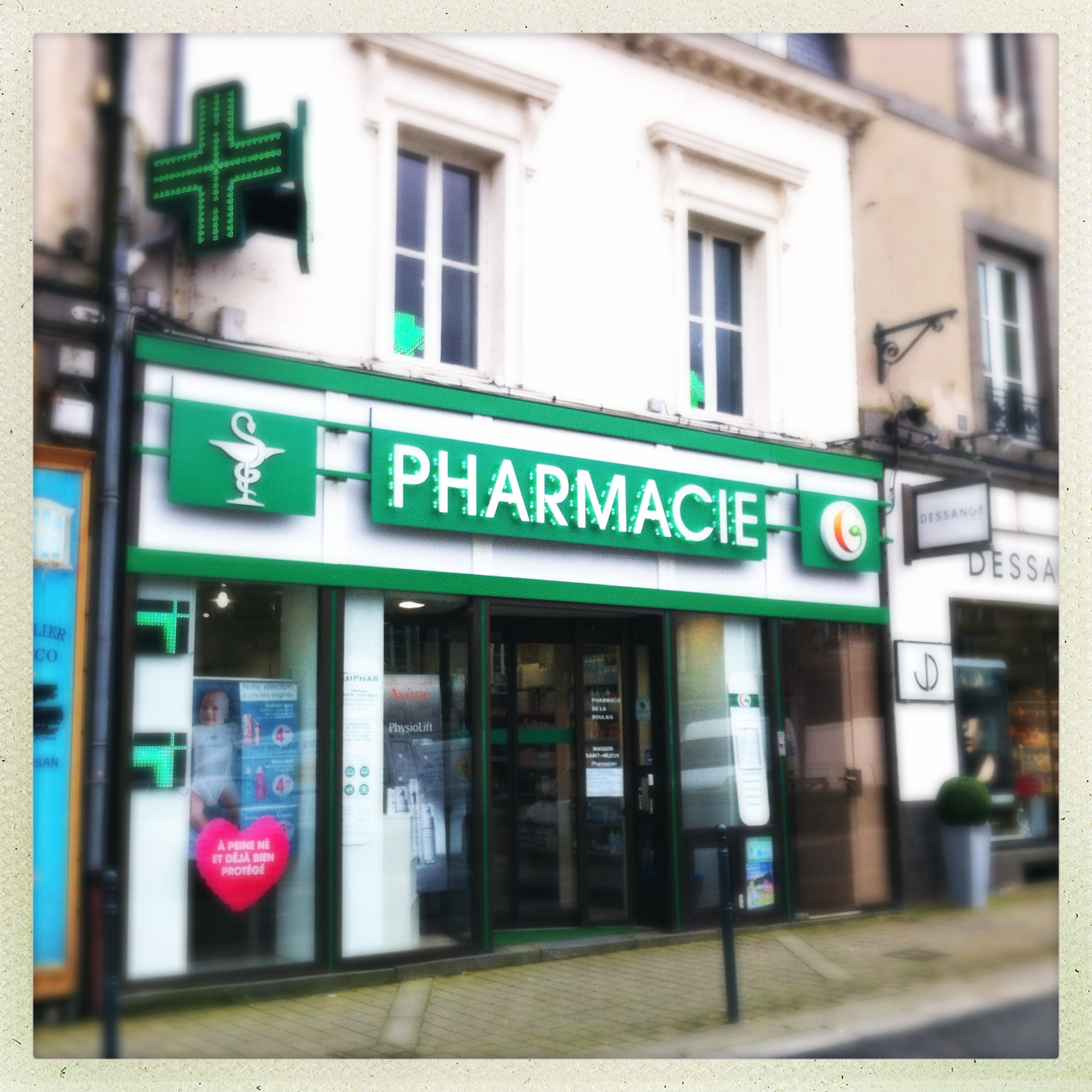 pharmacie leclerc affordable photo of pharmacie luong et leclerc montreal qc canada with. Black Bedroom Furniture Sets. Home Design Ideas
